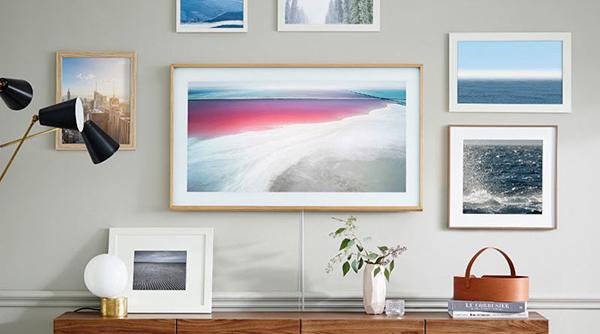 Телевизор Samsung The Frame в интерьере
