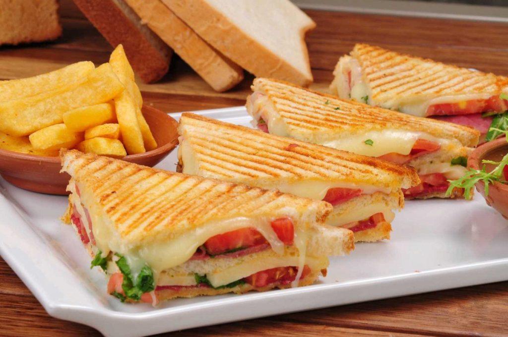 Сендвічі з бутербродниці
