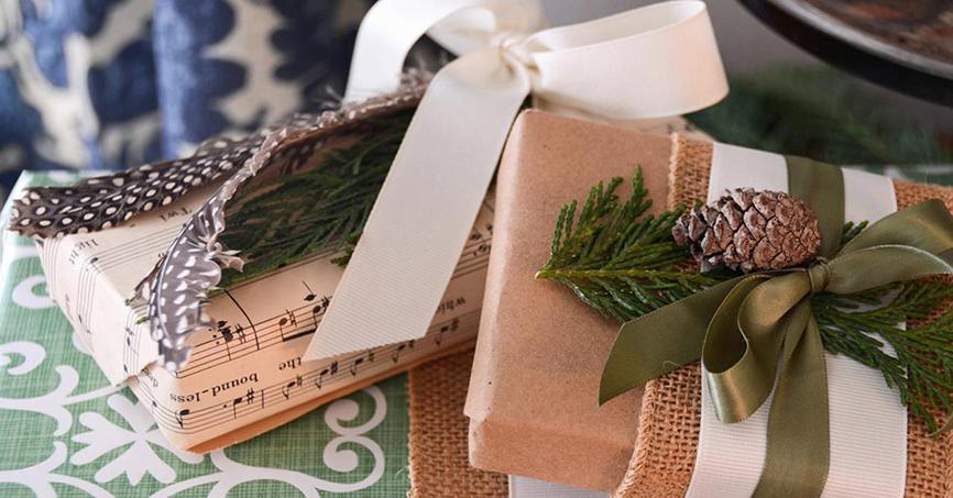 Упаковка подарунків під новий рік