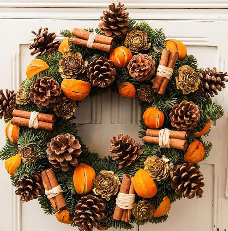 Різдвяний вінок на двері: шишки і ваніль
