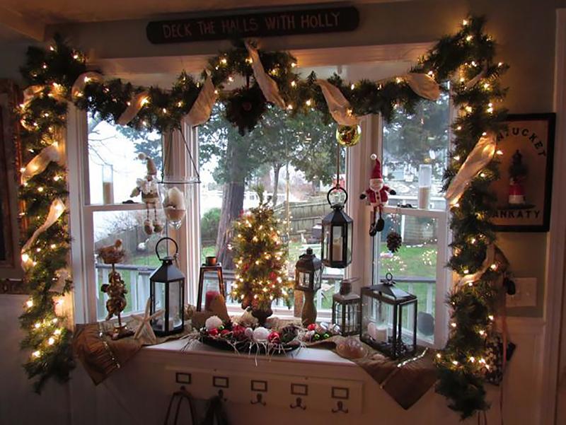 Фотографія декору вікна на різдво