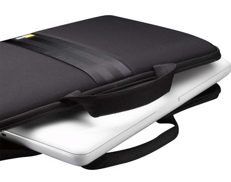 Ноутбук в сумке-чехле