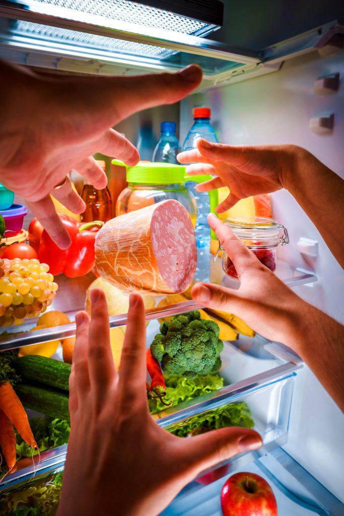 Ночной набег на холодильник