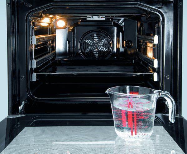 Очистка духовки паром с помощью воды и спец средств для гидролиза