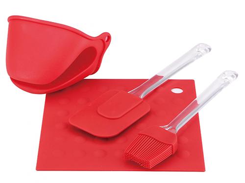 Силиконовые лопатки чтобы не поцарапать покрытие хлебопечки