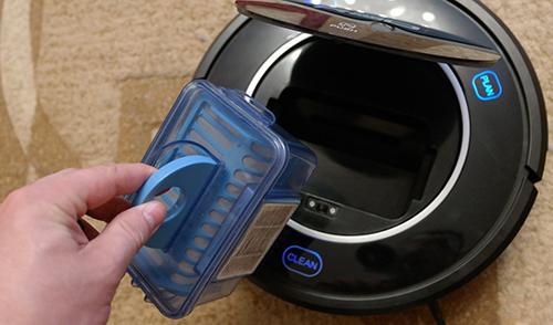 Очистка пылесборника в роботе пылесосе