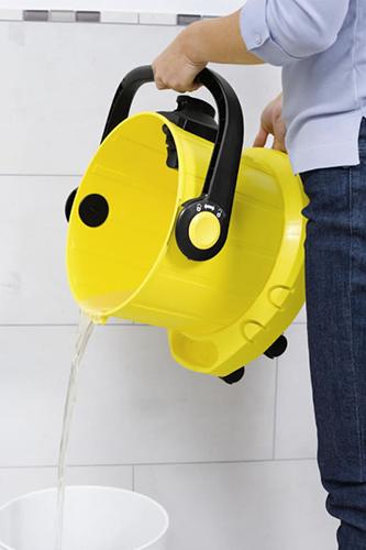 Замена воды в моющих пылесосах