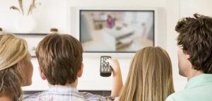 Перегляд телевізора в компанії друзів